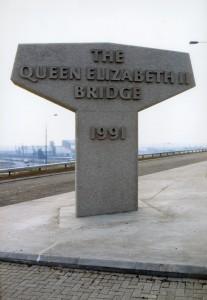Queen-Elizabeth-II-Bridge www kindersleystudio co uk