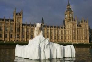 polar-bear-on-the-thames Taylorherring com
